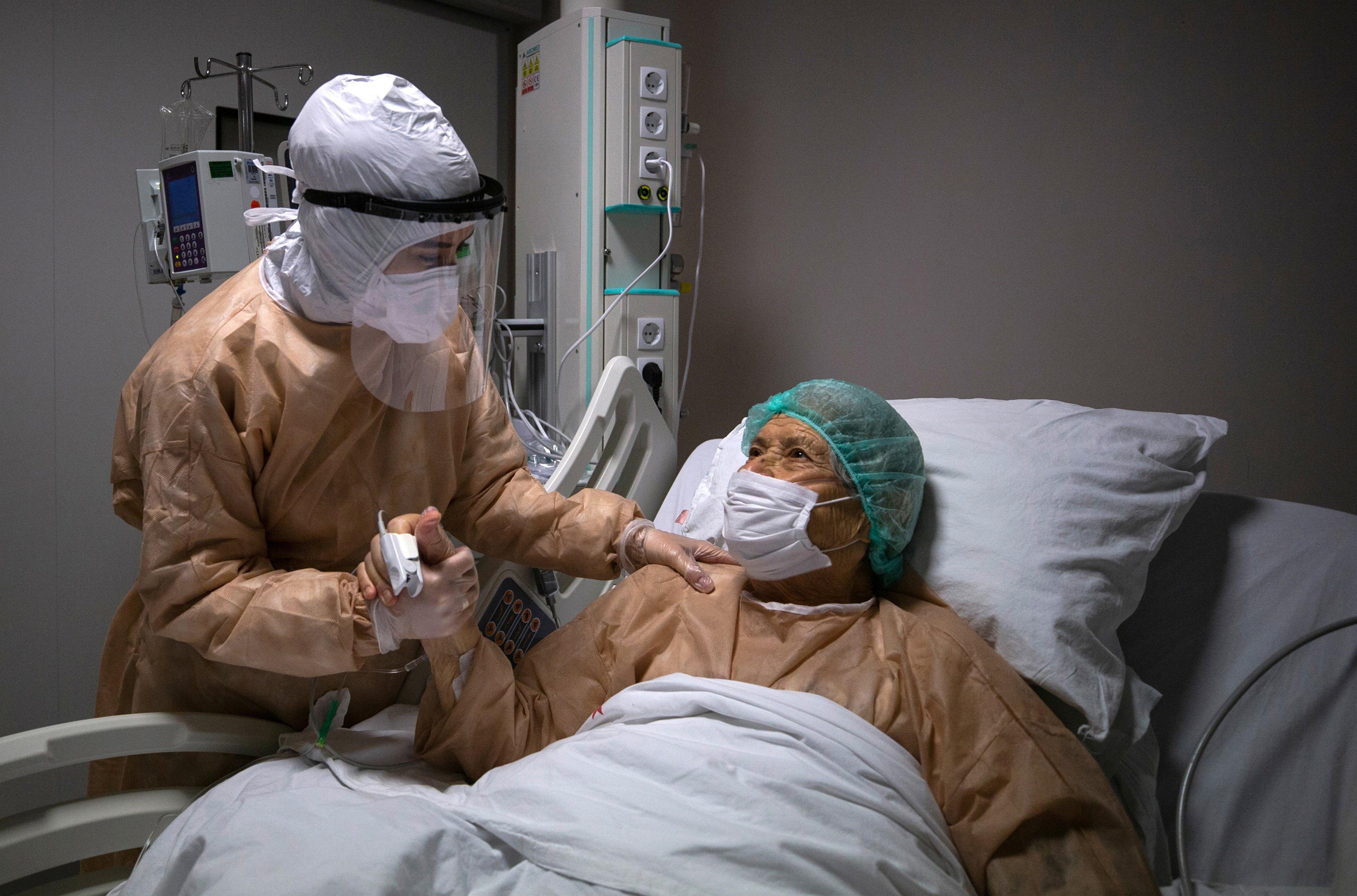 Nurses' heavy duty on coronavirus ahead of International Nurses